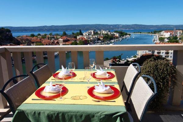 Flugreise kroatien nach omis in die villa dvor g nstig for Boutique hotel korcula